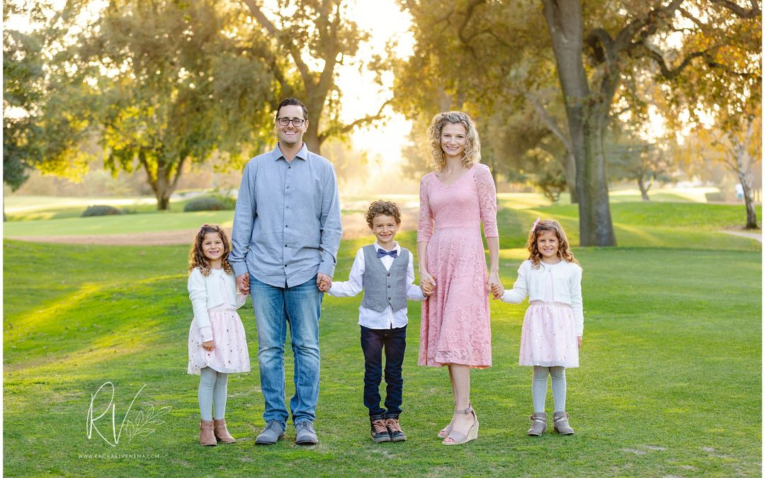 Tips on What to Wear for your Family Photos Modesto CA