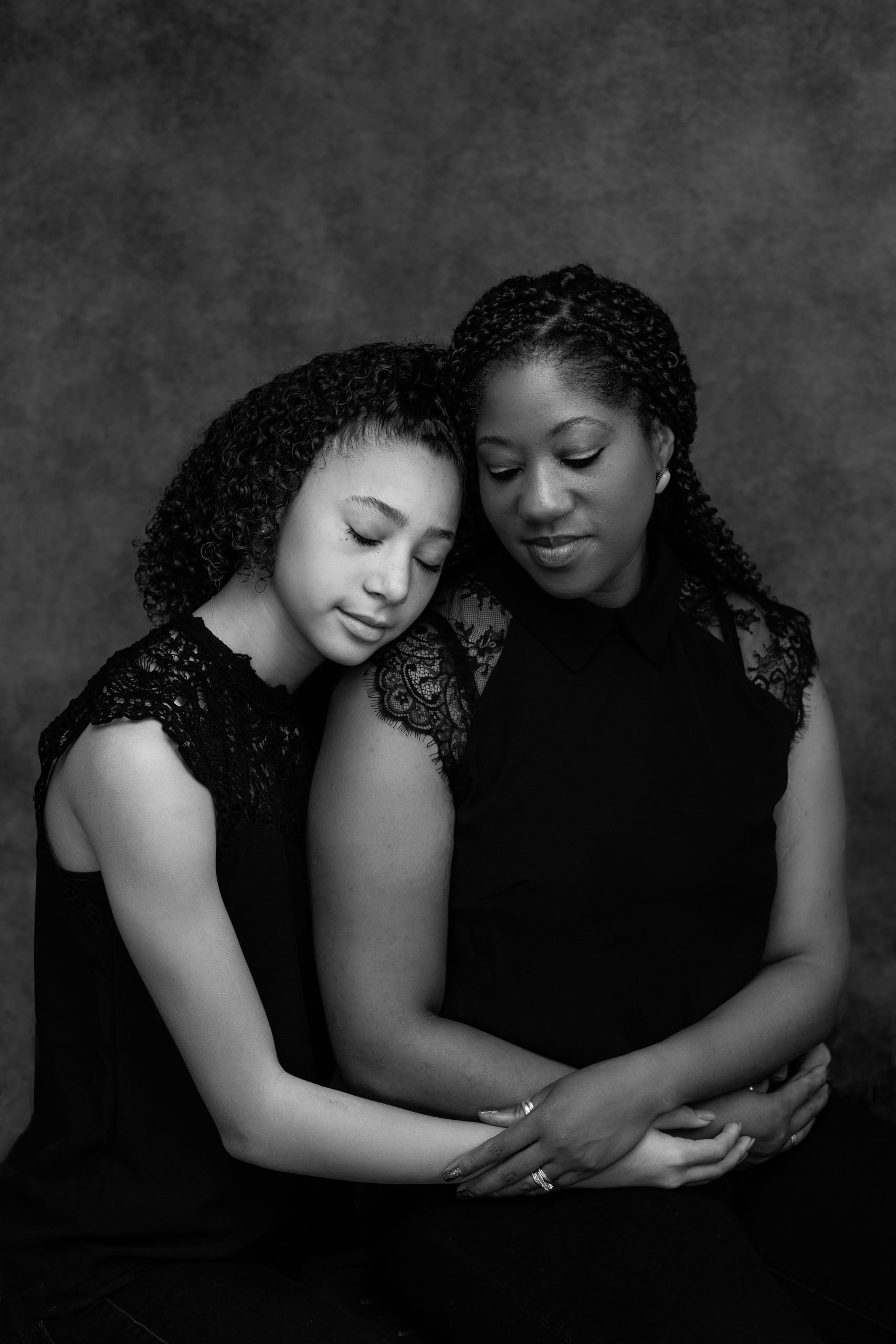 mother and daughter family portrait session with Rachael Venema Photography